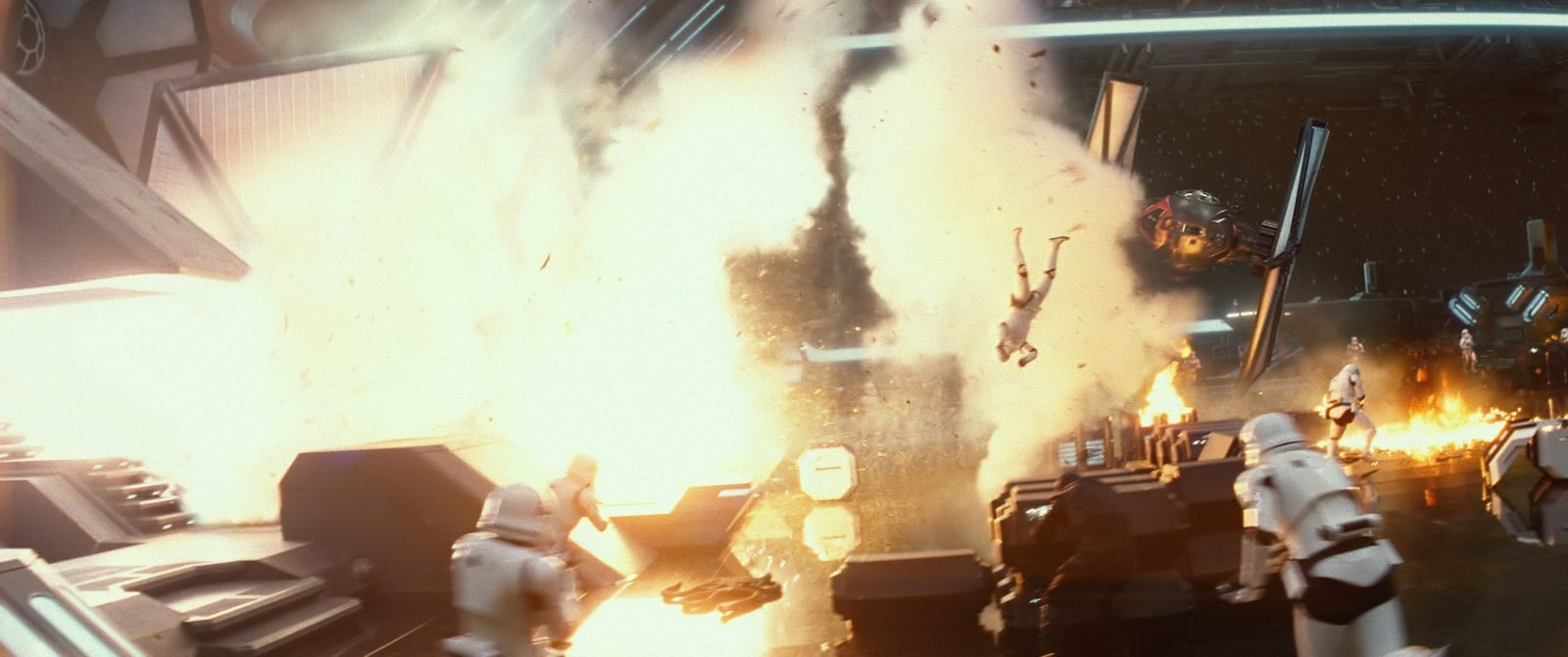 Star Wars VII The Force Awakens 31 - Destruction blast