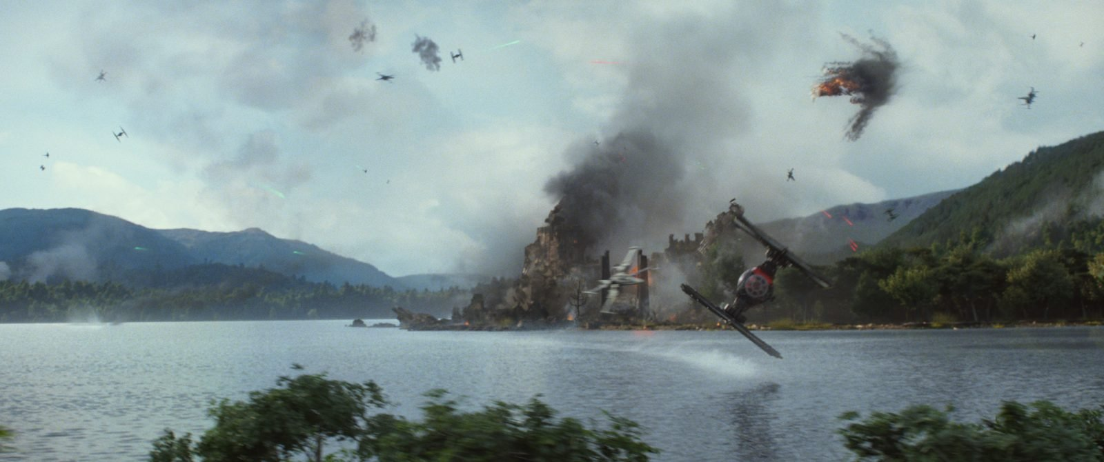 Star Wars VII The Force Awakens 7 - Tie Fighter above water